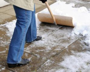 Checkliste zur Auswahl – Womit am besten Schnee räumen? (Schneefräsen Alternativen)